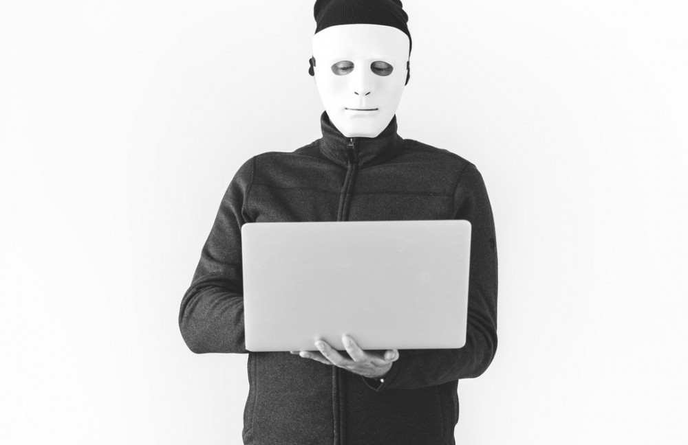 An (Un)Official List Of Scam Websites – Sites that Are Probably Not